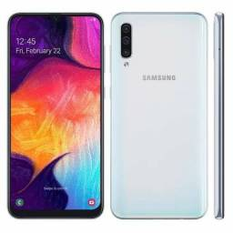 """Smartphone Samsung Galaxy A50 Branco 128GB, Tela Infinita de 6.4"""", Câmera Traseira Tripla"""