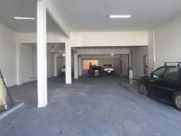 Barracão com espaço comercial e depósito