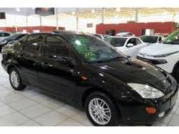 FORD FOCUS SEDAN GHIA 2.0mpi 16v 4P   2001 - 2001
