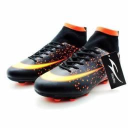 Chuteira de futebol Campo PretoLaranja cano alto Maultby ñ Nike Adidas 72b1ad52fdfac