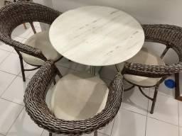Vendo conjunto mesas + cadeiras