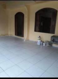 Ampla Casa 3/4 em Condomínio Fechado, Parque Ariri