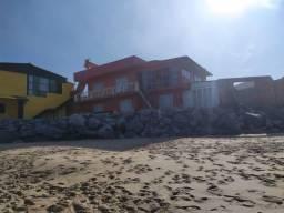 Alugo diária primeiro piso de sobrado de frente para o mar