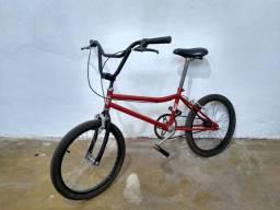 Bicicleta Monark BMX Superstar 1995 reformada
