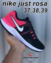 Título do anúncio: Nike Rosa Feminino