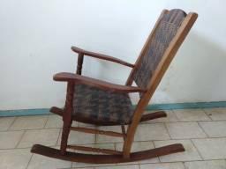 Cadeira de Balanço Artesanal