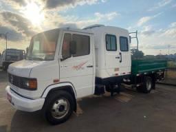 mb 710 carroceria cabine suplementar 6 lugares ano 2011