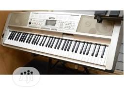 teclado yamaha portable gran piano dgx300