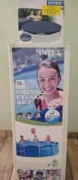 Piscina Intex de 4.485 L acompanha capa
