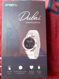 Relógio Novo na caixa com nota