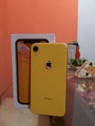 Título do anúncio: iPhone Xr 64gb com caixa, 5 capinhas e carregador.