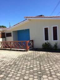 Alugo Casa com 03 quartos, Pitimbú