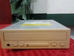 Título do anúncio: Drive leitor de Cd room 52x ,marca metron open- a, funcionando, sem gravador.