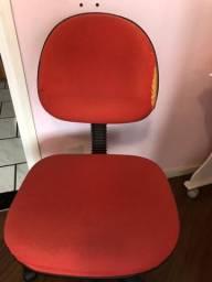 Cadeira para escritório vermelha