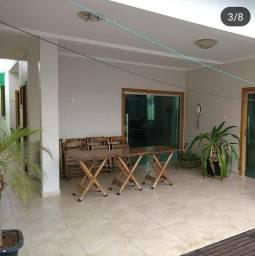 Casa com piscina em Almenara MG