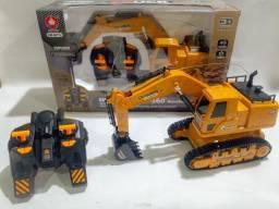 Trator Maquina Escavadeira Com 8 Comandos No Controle Remoto
