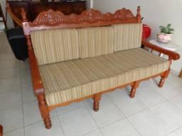 Jogo de sofá em madeira