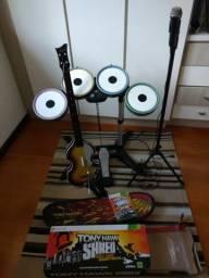Kit bateria + guitarra + microfone para Xbox 360; com prancha skate Tony Hawk de brinde