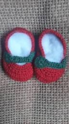 Sapatinhos de crochê novinhos 30 os 2 pares