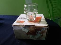 2 conjuntos de shot + garrafa cantil para whisky