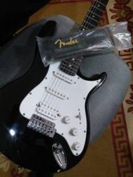 Guitarra El Toro Behringer HSS + Correia Fender
