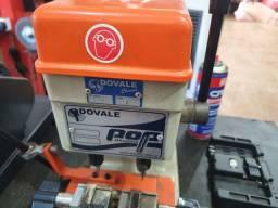 Maquina chave pantografica quase sem uso