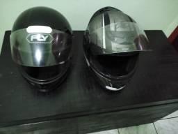 Capacete motociclista os dois por 95 Reais.