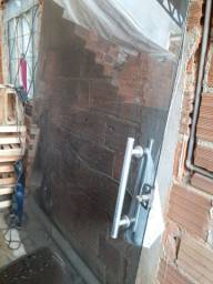 Uma porta de vidro 8mm fume
