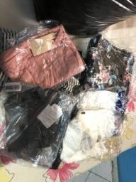 175 peças variadas de roupas femininas