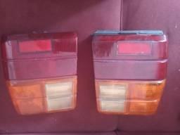 Título do anúncio: Vendo duas lanternas trazeira do Fiat uno