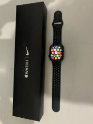 Apple Watch SE GPS + Celular 44mm