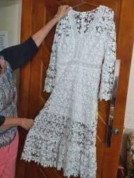 Belíssimo vestido de renda veste 38 a 40