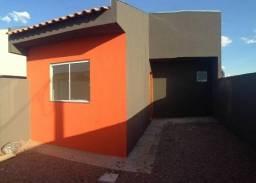 Vende-se casa com 2 quartos no Jd. Veneza - Uvaranas - Ponta Grossa