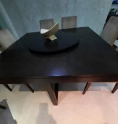 Título do anúncio: Mesa em Madeira com 08 Cadeiras
