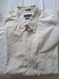 Camisa bege usada