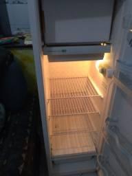 Venda de geladeira Cônsul