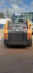 Mini Carregadeira Case SV300