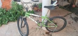 Vendo bicicleta estilo bmx