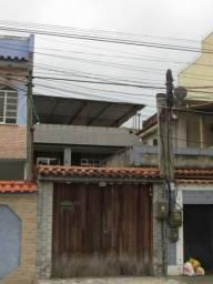 Aluguel de Casa no Amendoeira - 3 Quartos - Suíte - Piscina - 3 Vagas de Garagem