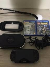 PS Vita em ótimo estado , +2 jogos , +2 capas protetoras , +8gb , + Carregador . Versão3.3