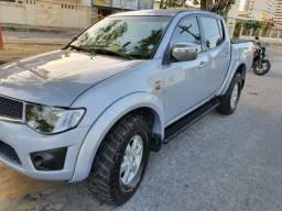Maravilhosa L200 Triton Prata Completa por R$ 75.000,00 - 2012