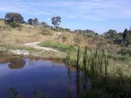 Sítio de 1 alqueire com casa e lago, em Atibaia SP