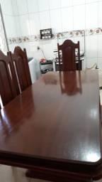 Mesa de mogno com 6 cadeiras