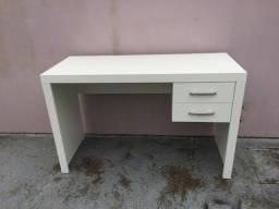 Título do anúncio: Mesa com gavetas/multiuso / escritório/ escrivaninha Nova MDF