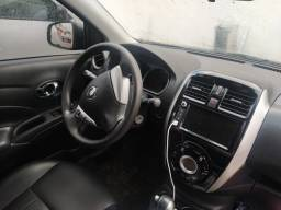 Vendo/Troco Nissan Versa 1.6 SL automático.