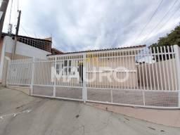 Título do anúncio: Casa para alugar com 3 dormitórios em Alto cafezal, Marilia cod:000712L