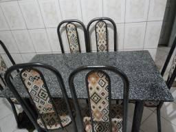 Título do anúncio: Mesa de Marmore. 6 cadeiras