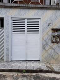 Título do anúncio: alugo casa em petrópolis R$850 reais .