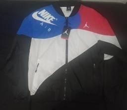 Título do anúncio: Jaqueta bomber Nike Jordan Legacy