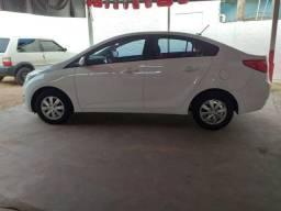 Vendo Hyundai HB20S 1.6 COMF 2014/2015 - 2015